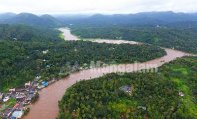normal-life-hit-as-heavy-rains-pounds-kerala-landslides-floods-reported