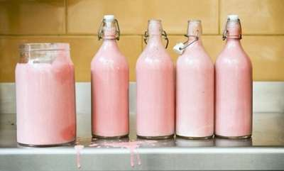 odd-news-hippo-milk-colour