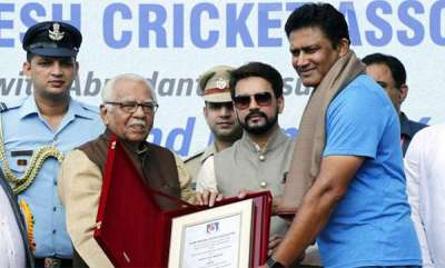 sports-news-anil-kumbleys-cap-and-cooling-glass-stolen-from-kanpoor-test-cricket-stage