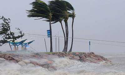 latest-news-cyclone-kyant-to-spare-odisha