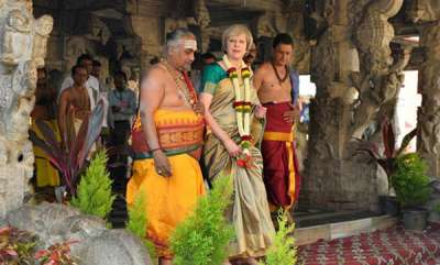 fashion-news-british-prime-minister-theresa-mays-saree-is-a-hit-on-twitter