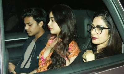 latest-news-sridevi-is-okay-with-daughter-jhanvis-affair