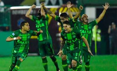 latest-news-plane-carrying-brazilian-football-team-chapecoense-crashes-in-colombia