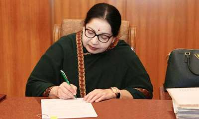 womens-world-jaya-clad-in-favourite-green-saree-for-final-journey