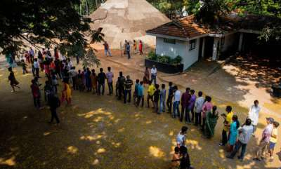others-crowd-at-the-biennale-venue-aspinwall-housefortkochi