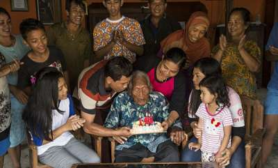 rosy-news-thats-a-lot-of-candles-indonesian-man-claiming-to-be-the-oldest-human-in-history-has-a-birthday-party-to-celebrate-turning-146