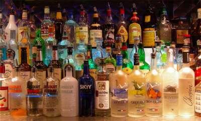 latest-news-1-crores-sale-on-liquor-in-vytila-outlet