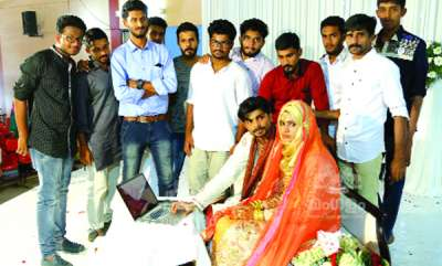 mangalam-special-couples-donates-blood-on-their-marriage-day-with-friends