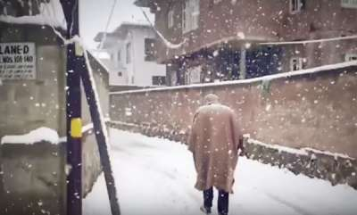 environment-kashmirs-stunning-video-of-snowfall-in-slow-mo