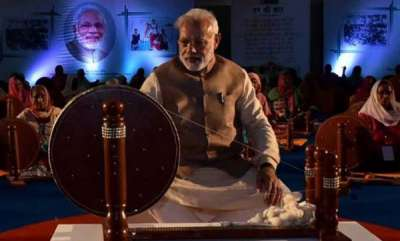 latest-news-only-modiji-can-spin-yarn-with-one-hand