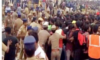 india-scores-of-jallikattu-protesters-removed-from-marina-beach