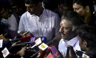 special-recipes-o-panneerselvam-against-sasikala