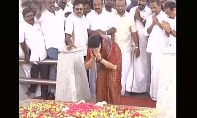 latest-news-sasikala-leaves-for-jail-paid-respects-at-amma-memorial