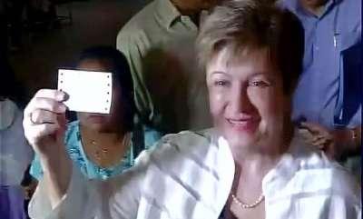 business-news-world-bank-ceo-kristalina-georgieva-travels-in-mumbai-local-will-meet-fadnavis-jaitley
