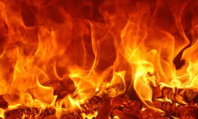 latest-news-cpm-office-set-on-fire-in-kozhikode-after-bomb-attack-on-rss-office