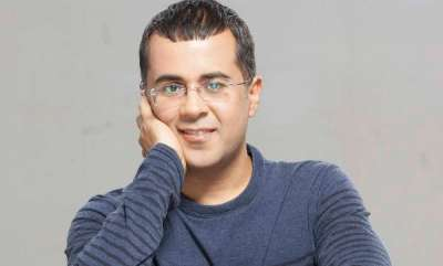auto-chetan-bhagat-going-to-make-electric-car