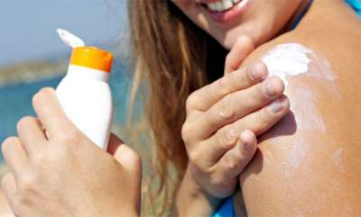 beauty-spot-how-to-apply-sunscreen-heres-the-right-way-to-apply-sunscreen-to-protect-your-skin-this-summer