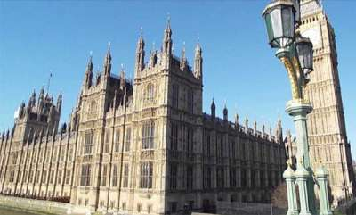 latest-news-shoot-out-near-london-parliament-terrorist-attack-suspected