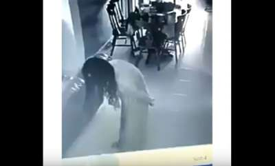 odd-news-scary-cctv-recorded-my-maid-possessed-by-evil-after-left-the-bathroom