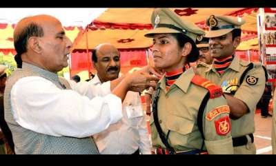 career-planner-tanushree-pareek-becomes-first-woman-field-officer-of-bsf