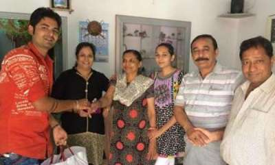 odd-news-youth-celebrates-divorce-distributes-sweets