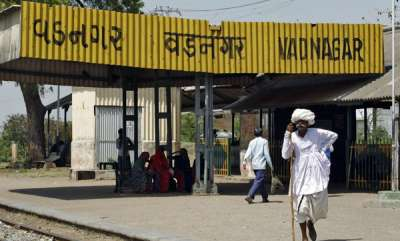 latest-news-railway-station-where-modi-sold-tea-to-get-8-crore-makeover
