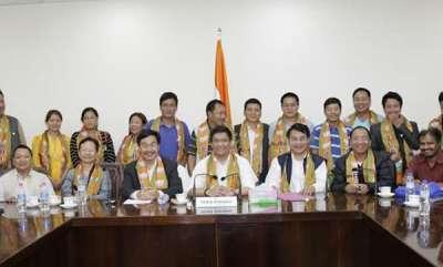 latest-news-hailing-pm-narendra-modis-leadership-23-arunachal-congress-councillors-join-bjp