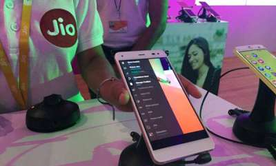 latest-news-trai-says-jio-tops-chart-with-download-speed