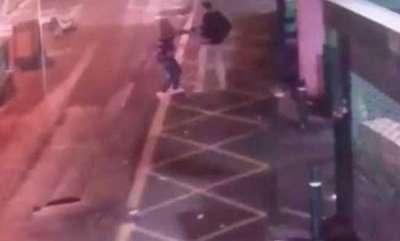 latest-news-video-of-police-taking-down-london-bridge-terrorists