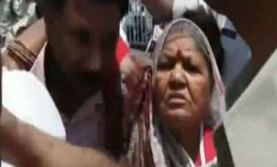 latest-news-mp-farmers-protest-police-action-against-old-couples