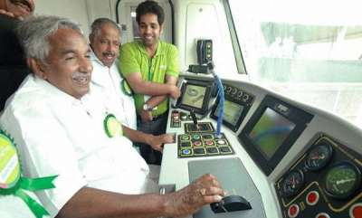 latest-news-oommen-chandy-and-ramesh-chennithalas-metro-ride