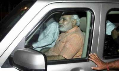 latest-news-since-camera-person-not-there-narendra-modi-refuses-to-step-down-from-car