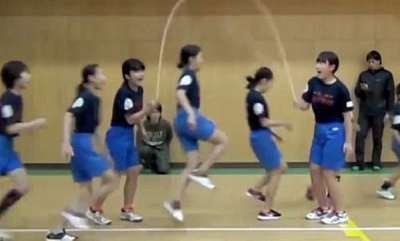 odd-news-now-thats-synchronised-skipping-video-shows-school-chidren-breaking-world-record-by-jumping-225-times-in-one-minute
