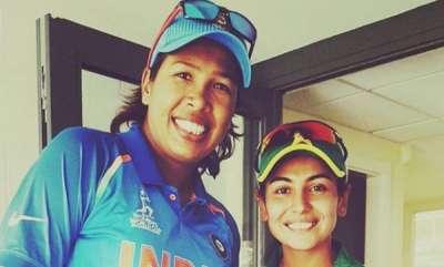 sports-news-pakistans-kainat-imtiaz-meeting-her-inspiration-jhulan-goswami