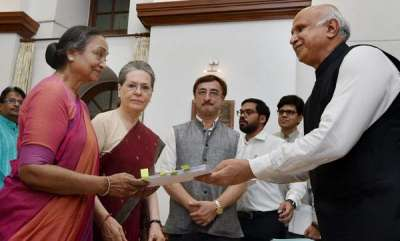 latest-news-presidential-election-is-a-fight-against-divisive-communal-visionsonia-gandhi