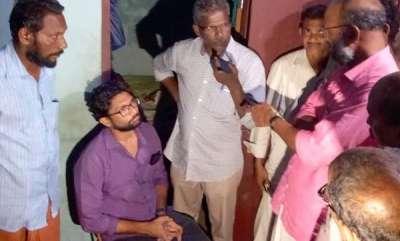 latest-news-jignesh-mewani-visits-vinayakans-home