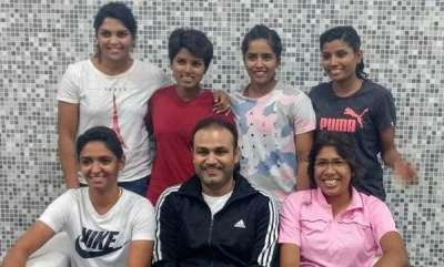 sports-news-virender-sehwag-meets-members-of-indian-womens-cricket-team-see-pic