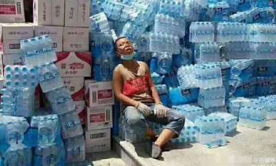rosy-news-hard-working-kid-becomes-viral-sensation-for-using-his-summer-vacation-to-help-with-flood-relief