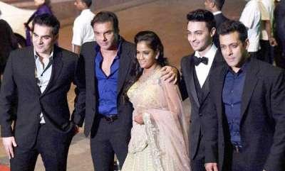 latest-news-arpitha-khan-praise-her-siblings-on-rekshabandhan-day