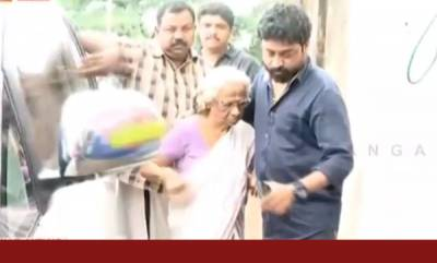 latest-news-mother-visits-dileep-in-jail