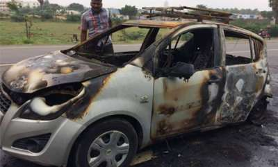 latest-news-car-catches-fire-at-coimbatore-young-man-died