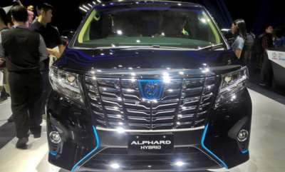 auto-toyota-hybrid-alphard-launching-in-india