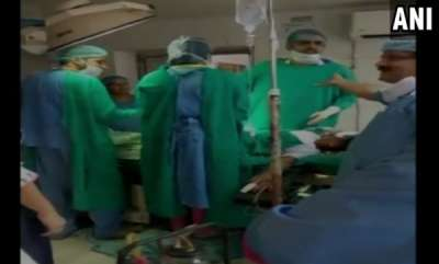 latest-news-doctors-engage-in-verbal-spat-during-surgery-of-pregnant-woman-newborn-declared-dead