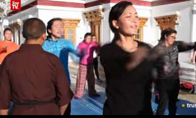 surprise-indian-nuns-are-teaching-women-kung-fu-to-fight-off-rapists
