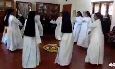 latest-news-kerala-nuns-performs-thiruvathira-dance-watch-viral-video