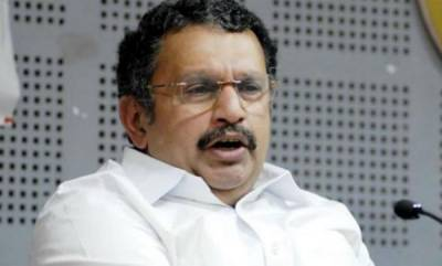 latest-news-k-muraleedharan-supports-oommenchandy