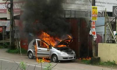 latest-news-car-fired-while-driving
