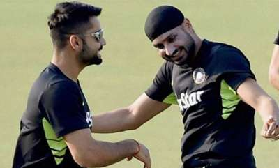 specials-harbhajan-lashes-out-on-australian-journalist-for-trolling-virat-kohli