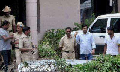 india-rs650cr-concealed-income-recovered-from-vg-siddharthas-ccd-offices-residence-it-dept