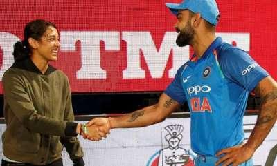 sports-news-smrithi-mandana-meets-virat-kohli